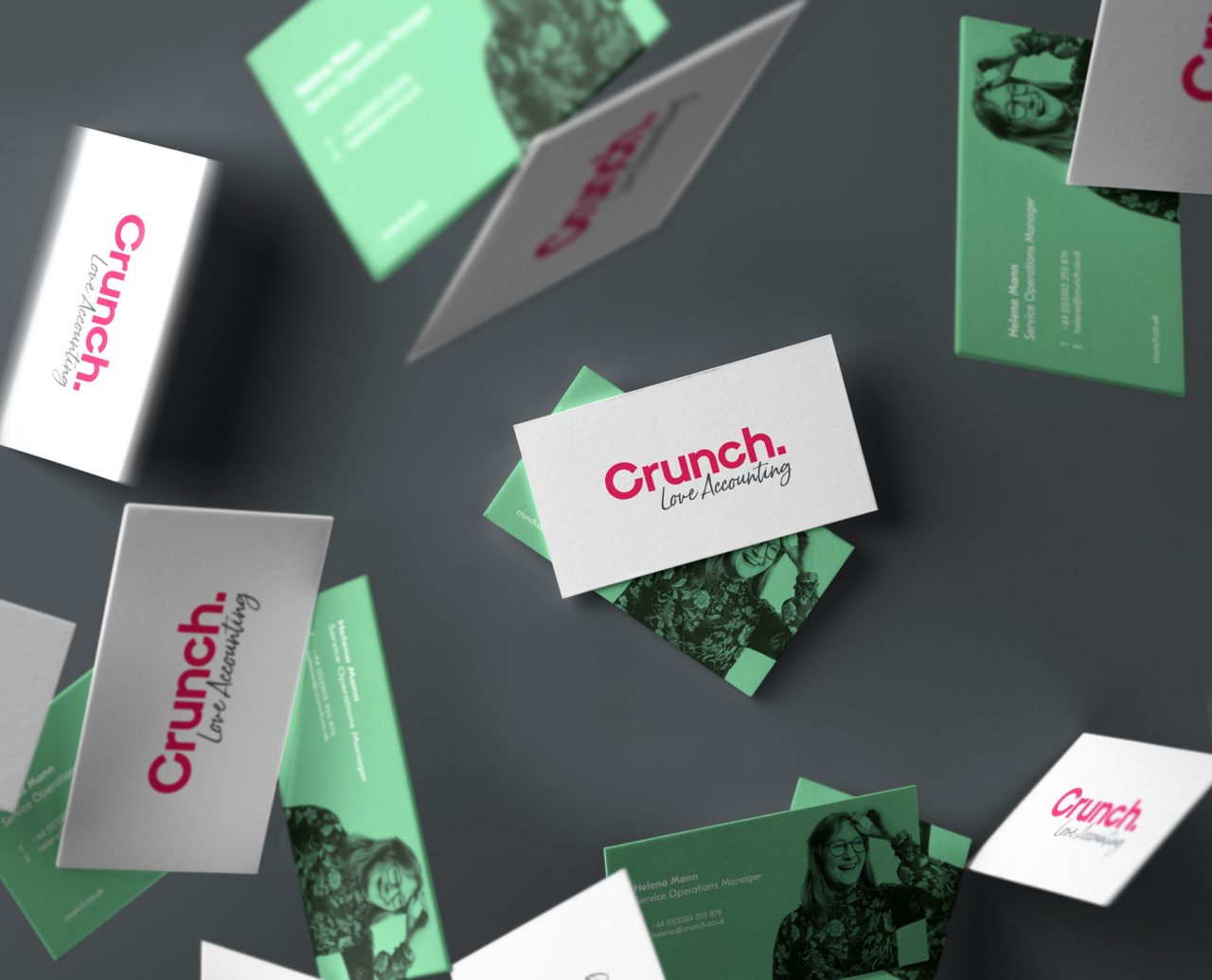 Crunch-Falling-Business-Card-Mockup-Vol3